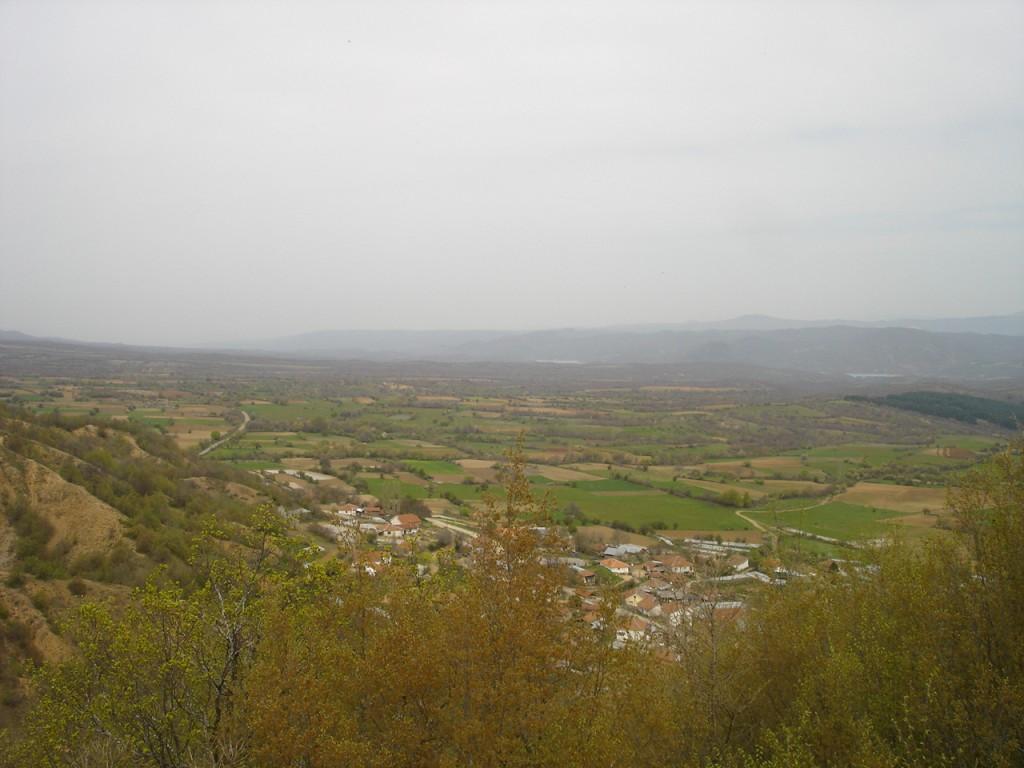 селото Лубница и полето во Лакавичко