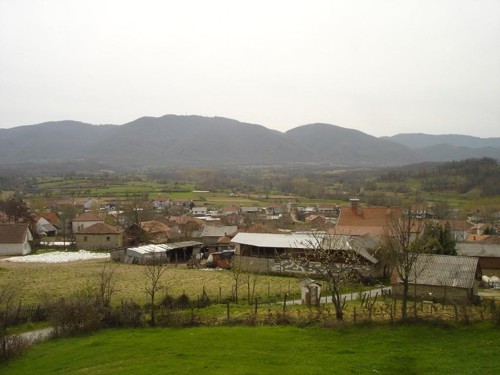 Поглед на Серта од селото Долни Липовиќ во Лакавичко