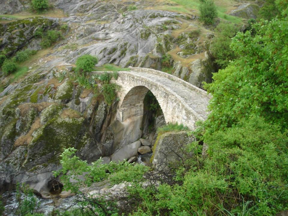 """Зовичкиот мост од филмот """"Прашина"""" (Dust)"""