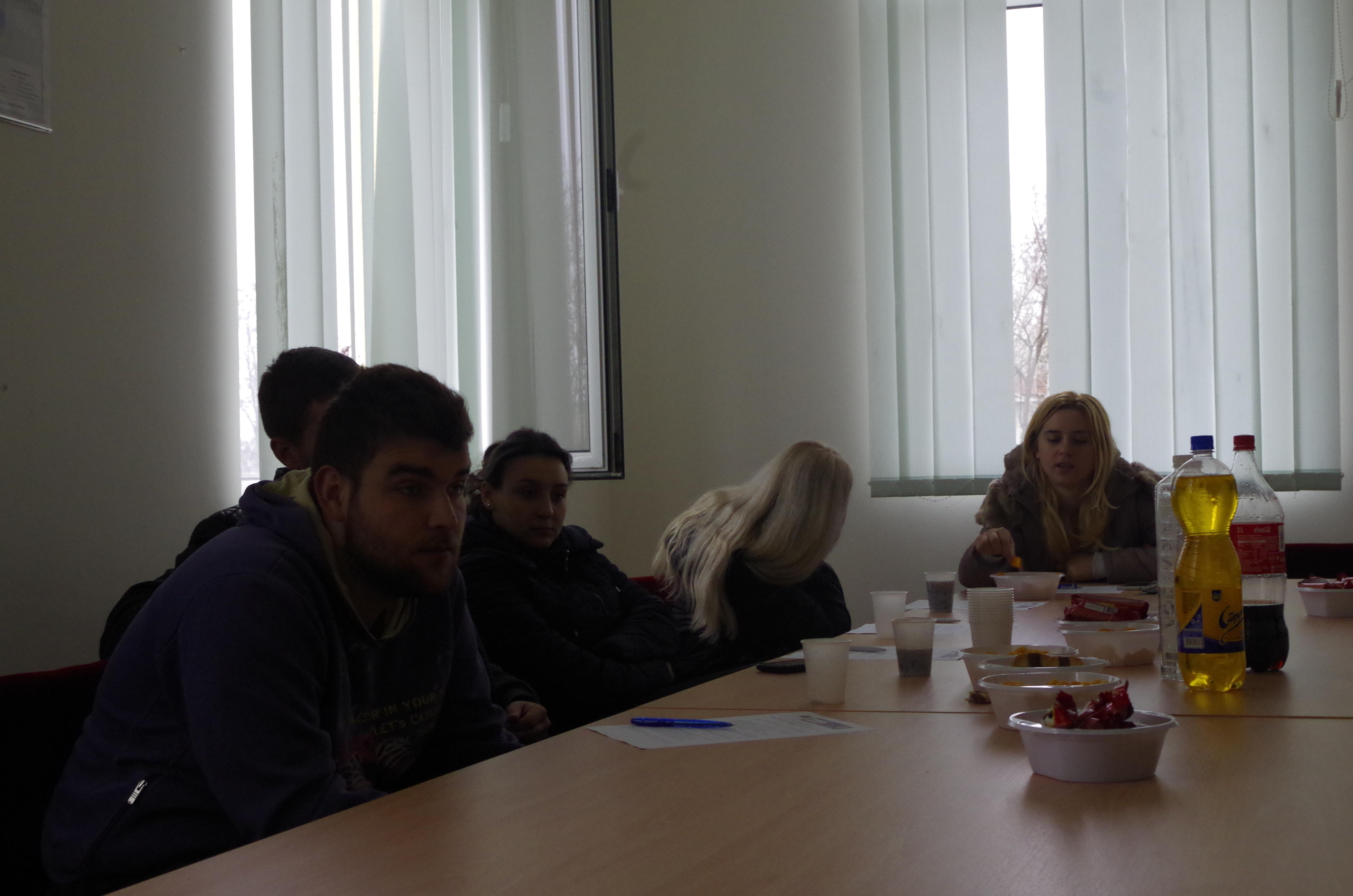 Средба со млади во Општина Карбинци